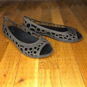 32c39540d8544c Crocs Adrina Flat Smoke Grey Size 6